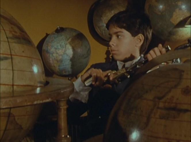 Les trois couronnes du matelot (Raúl Ruiz, 1983).avi_snapshot_01.26.11_[2018.12.10_13.43.47]